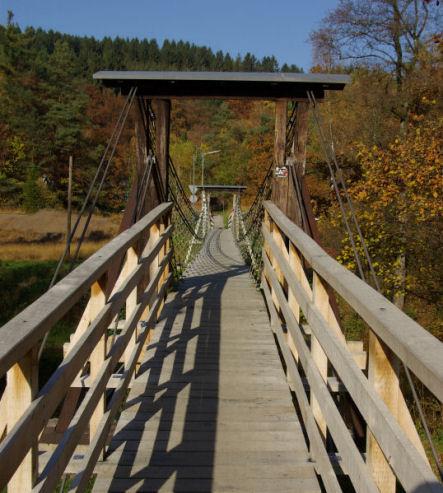 Hängebrücke bei Kastor